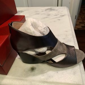 Donald Pliner shoes - New in box